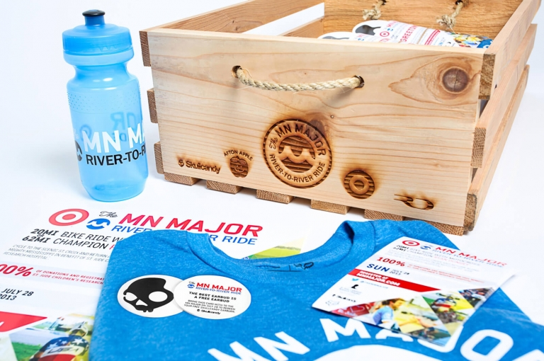 box and waterbottle with ad